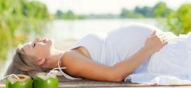 Có khá nhiều phụ nữ thắc mắc rằng liệu phụ nữ mang thai tháng thứ 4 có nên uống nước không?