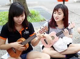 Học chơi đàn ukulele có dễ không?